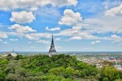 Um stupa da vista bonita na montanha Imagem de Stock Royalty Free