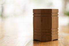 Um suporte de madeira da homem-fatura Imagem de Stock Royalty Free