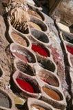Um tannery em Fes, Marrocos Fotografia de Stock Royalty Free
