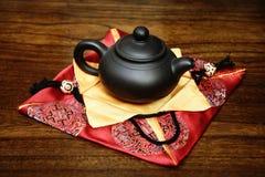 Um teapot pequeno imagens de stock royalty free