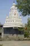 Um templo, Akola, estado do Maharashtra da Índia fotos de stock