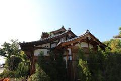 Um templo japonês tradicional fotos de stock