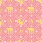 Um teste padrão sem emenda de uma coroa com um fundo cor-de-rosa ocupado, nas cores do outono e do inverno de 2018 e de 2019, par Fotografia de Stock