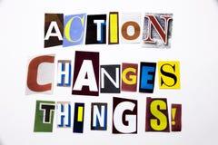 Um texto da escrita da palavra que mostra o conceito da ação muda as coisas feitas da letra diferente do jornal do compartimento  Fotografia de Stock Royalty Free