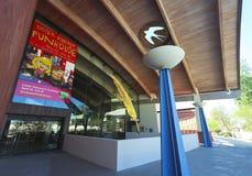 Um tiro da biblioteca do centro cívico de Scottsdale Fotos de Stock