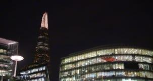 Um tiro do estilhaço na noite, Londres video estoque