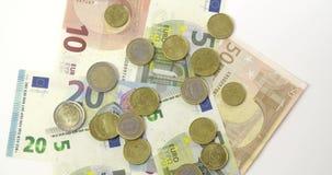 Um tiro que olha para baixo nos Euros que giram filme