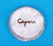 Um torta italiano típico do bolo caprese Fotos de Stock