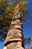 Um totem no outono fotografia de stock royalty free