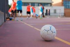 5 um treinamento lateral da equipa de futebol Imagem de Stock