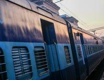 Um trem na Índia Fotografia de Stock Royalty Free