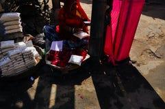 Um vendedor em Pushkar, Índia Foto de Stock Royalty Free
