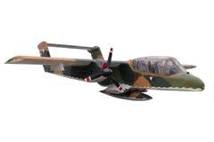 Um verde coloriu o avião de combate da camuflagem do isolado contra Fotos de Stock Royalty Free