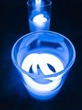 Um vidro de água fresco do tom do bulbo nele Imagens de Stock
