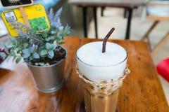 Um vidro do café congelado Fotografia de Stock