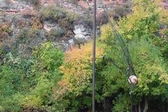 Um voleibol entra na rede Foto de Stock Royalty Free