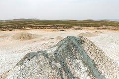 Um vulcão pequeno da lama imagem de stock royalty free