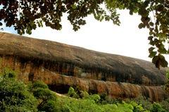 Uma única rocha do complexo sittanavasal do templo da caverna Foto de Stock Royalty Free