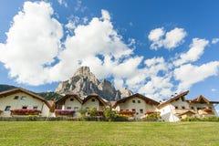 Uma aldeia da montanha Fotos de Stock Royalty Free