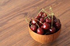 Uma bacia de cerejas Foto de Stock