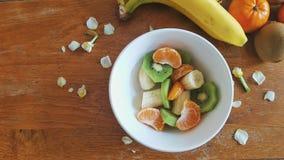 Uma bacia de salada de fruto Fotos de Stock