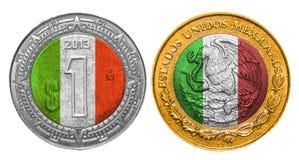 Uma bandeira do peso mexicano em uma moeda fotografia de stock