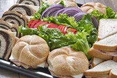 Uma bandeja de sanduíches de peru Foto de Stock Royalty Free