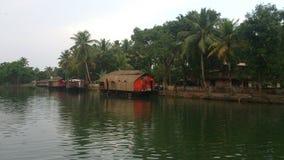 Uma barco-casa Imagem de Stock Royalty Free