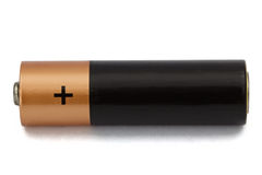 Uma bateria do AA isolada no branco, com trajeto de grampeamento Imagens de Stock