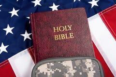 Uma Bíblia de Soilder Imagem de Stock Royalty Free