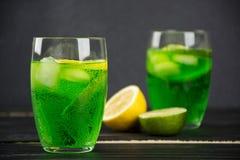 Uma bebida do estragão em um vidro Foto de Stock Royalty Free