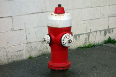 Uma boca de incêndio de fogo velha Foto de Stock