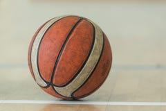 Uma bola no assoalho Fotos de Stock
