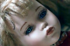 Uma boneca da porcelana fotos de stock