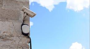 Uma câmara de segurança Fotos de Stock Royalty Free