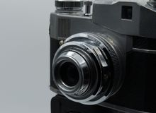 Uma câmera velha imagens de stock royalty free