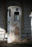 Uma cabine de registro na angra de Cades nas montanhas fumarentos Fotos de Stock Royalty Free