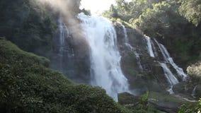 Uma cachoeira vídeos de arquivo