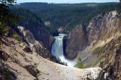 Uma cachoeira bonita no parque de yellowstone Fotos de Stock