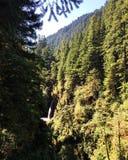 Uma cachoeira na distância Fotografia de Stock Royalty Free