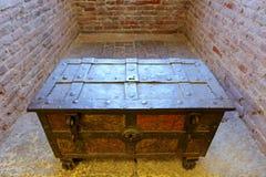 Uma caixa antiga na fortaleza do castelo (Castelvecchio) em Verona, Itália do norte Fotografia de Stock Royalty Free
