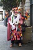 Uma caminhada da cor é um recolhimento informal dos povos criativos que obtêm vestidos ou que vestem-se acima para inspirar e ser fotos de stock