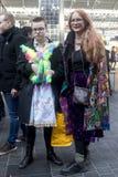 Uma caminhada da cor é um recolhimento informal dos povos criativos que obtêm vestidos ou que vestem-se acima para inspirar e ser fotografia de stock