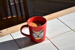 Uma caneca de café fotografia de stock royalty free