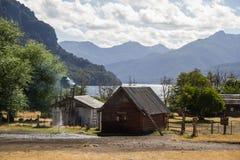 Uma casa de campo patagonian pequena Foto de Stock Royalty Free