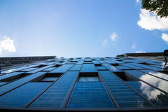 Uma casa do painel solar da energia Fotos de Stock Royalty Free