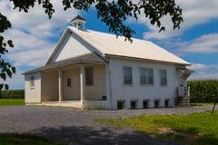 Uma casa pequena da escola da sala fotografia de stock