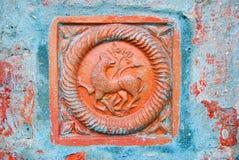 Uma cauda na fachada da igreja do Saint Nicolas em Yaroslavl, Rússia Imagens de Stock