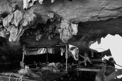 Uma caverna em Vietname foto de stock