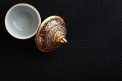 Uma cena famosa cinco-colorida tailandesa tradicional da porcelana fotografia de stock